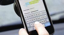 Kopie von: car2gether, Mitfahrgelegenheit, Daimler, iPhone