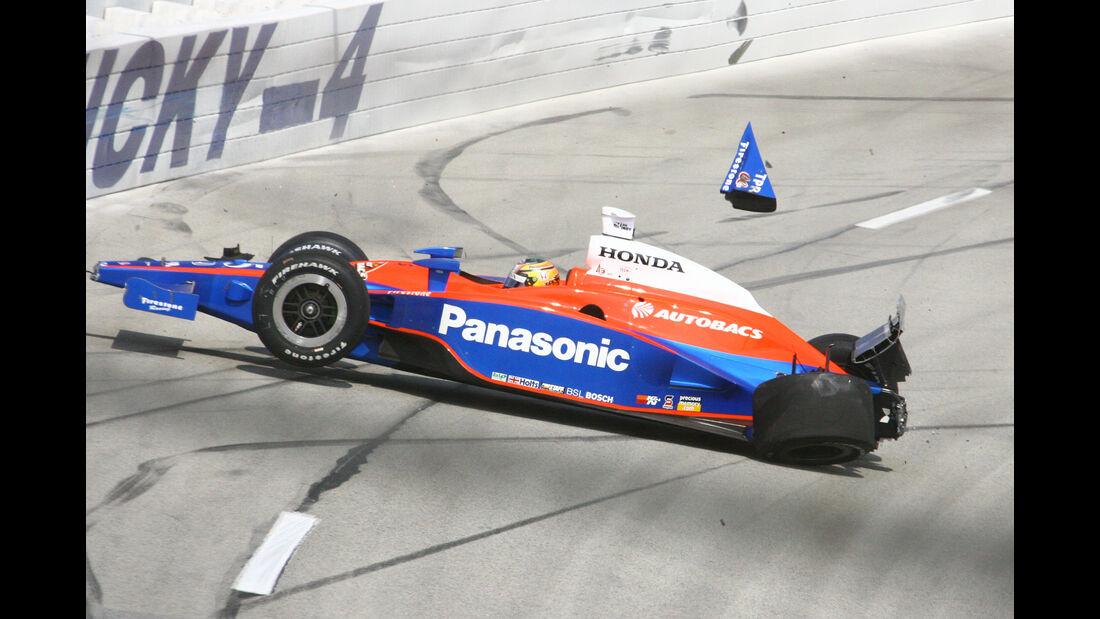 Kosuke Matsuura - IndyCar-Crash