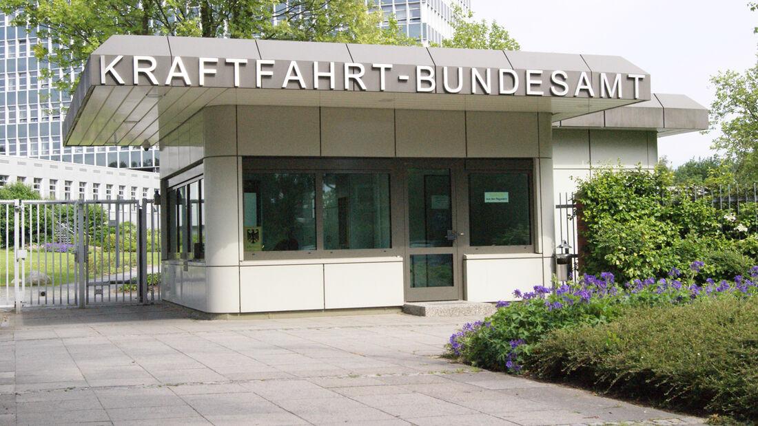 "Kraftfahrt-Bundesamt KBA, ""Service vor Ort"" im Auskunftspavillon an der Fördestraße 16"