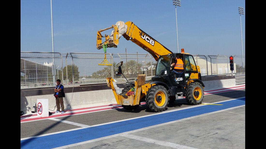 Kran - Bahrain - Formel 1 Test - 2014