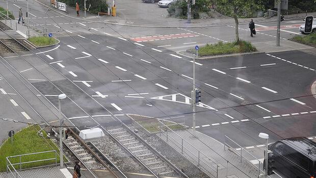Kreuzung Motorpresse fertig