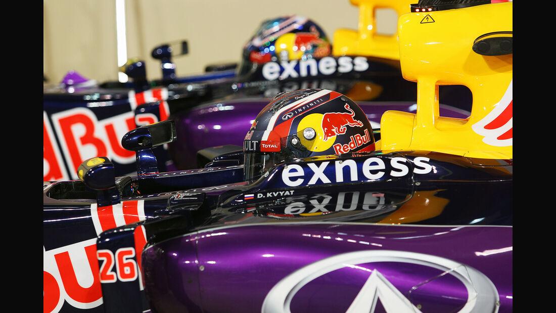 Kvyat & Ricciardo - Red Bull - GP Abu Dhabi - 28. November 2015