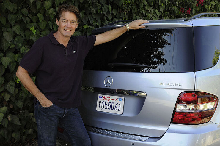 Kyle MacLachlan und sein Mercedes-Benz BlueTEC Fahrzeug