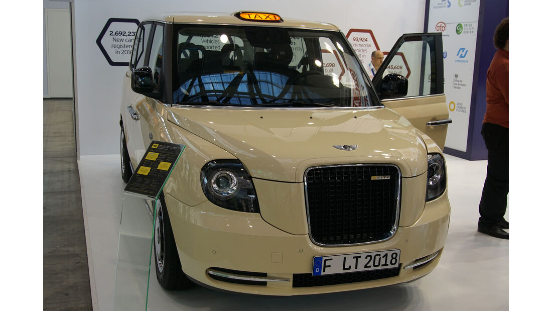 LEVC Electric Taxi - Electric Vehicle Symposium 2017 - Stuttgart - Messe - EVS30