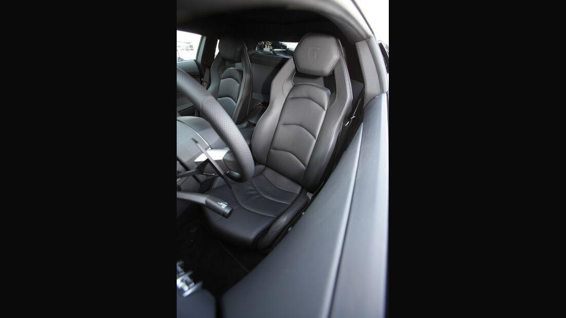 Lamborghini Aventador, Fahrersitz