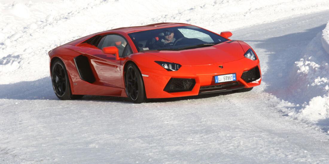 Lamborghini Aventador, Front