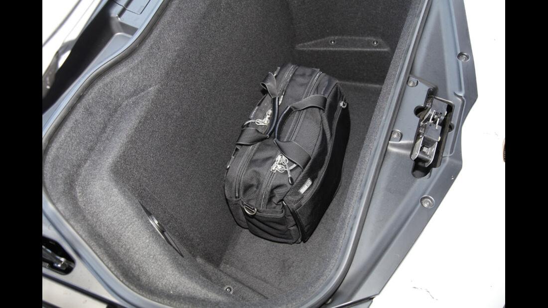 Lamborghini Aventador, Kofferraum