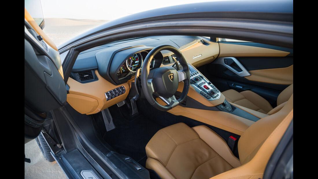 Lamborghini Aventador LP 700-4, Fahrersitz, Lenkrad