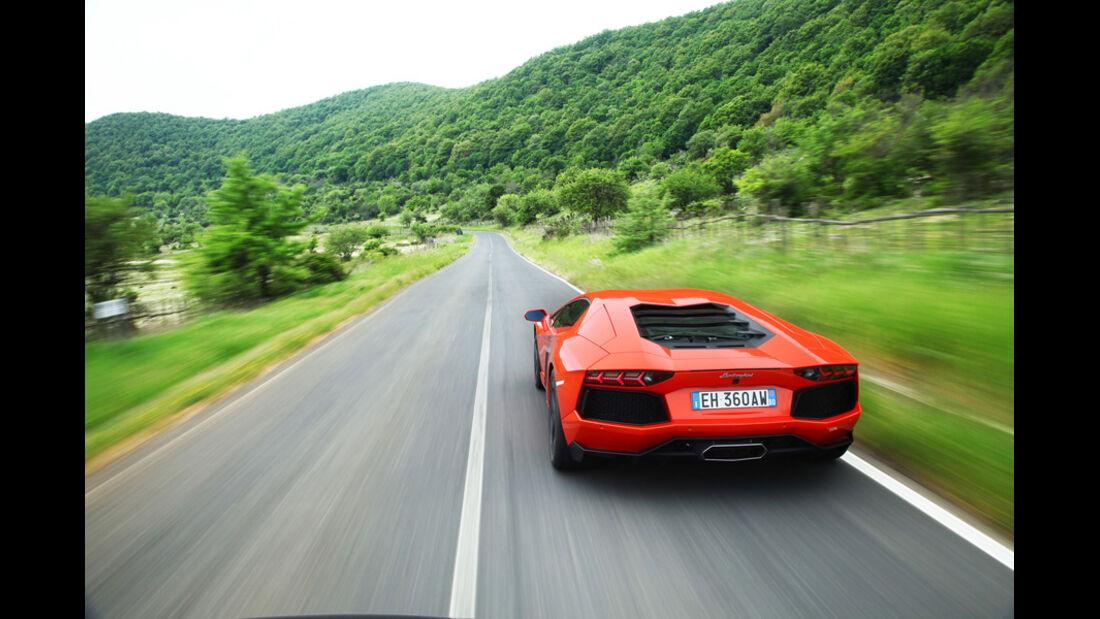 Lamborghini Aventador LP 700-4, R¸ckansicht, ‹berland, Landstrafle