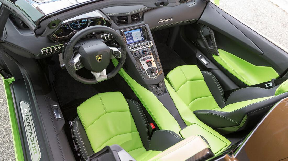 Lamborghini Aventador LP 700-4 Roadster, Cockpit, Lenkrad