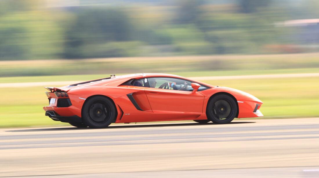 Lamborghini Aventador LP 700-4, Seitenansicht