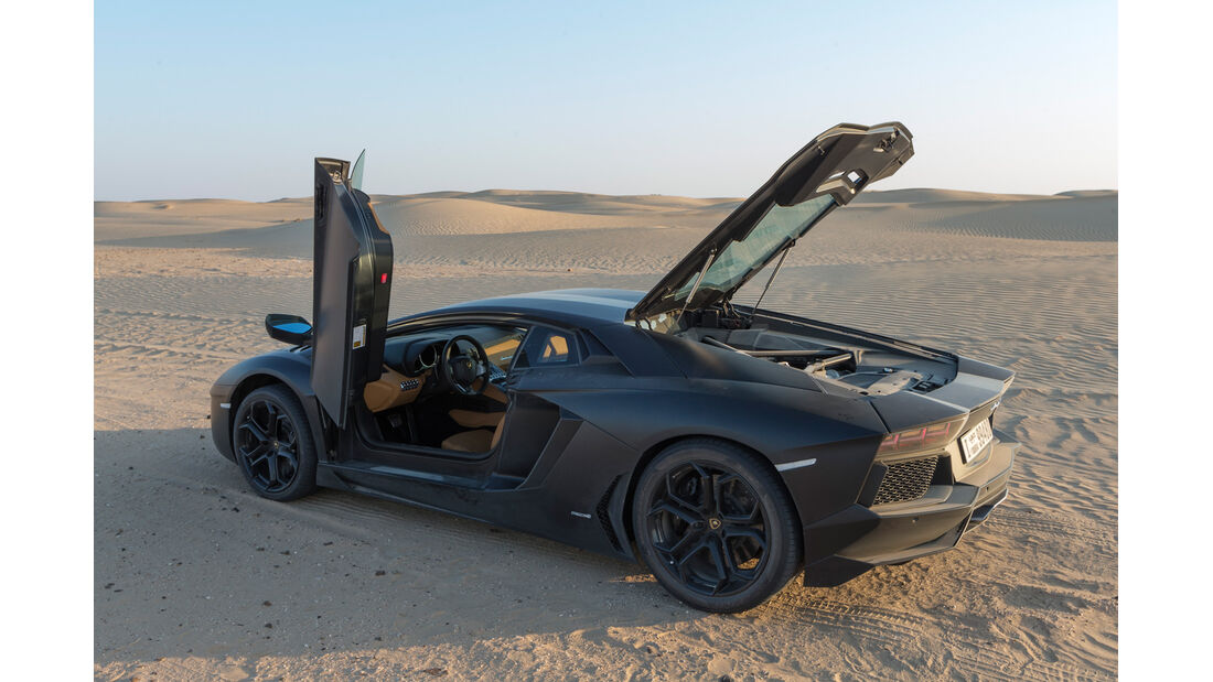 Lamborghini Aventador LP 700-4, Türen offen