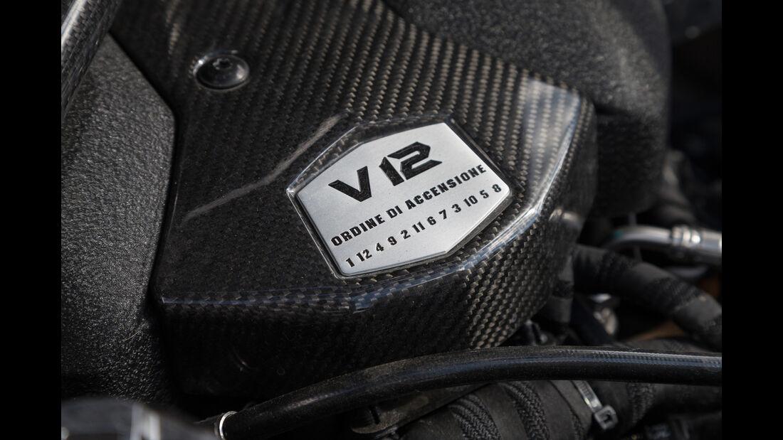 Lamborghini Aventador LP750  SV, Motor
