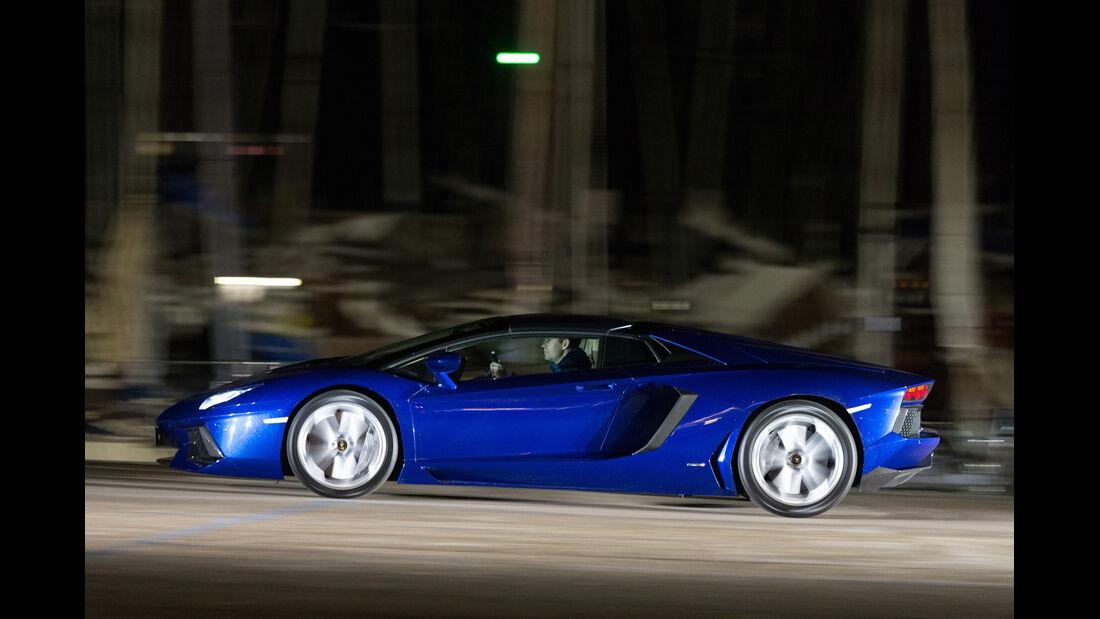 Lamborghini Aventador Roadster, Seitenansicht