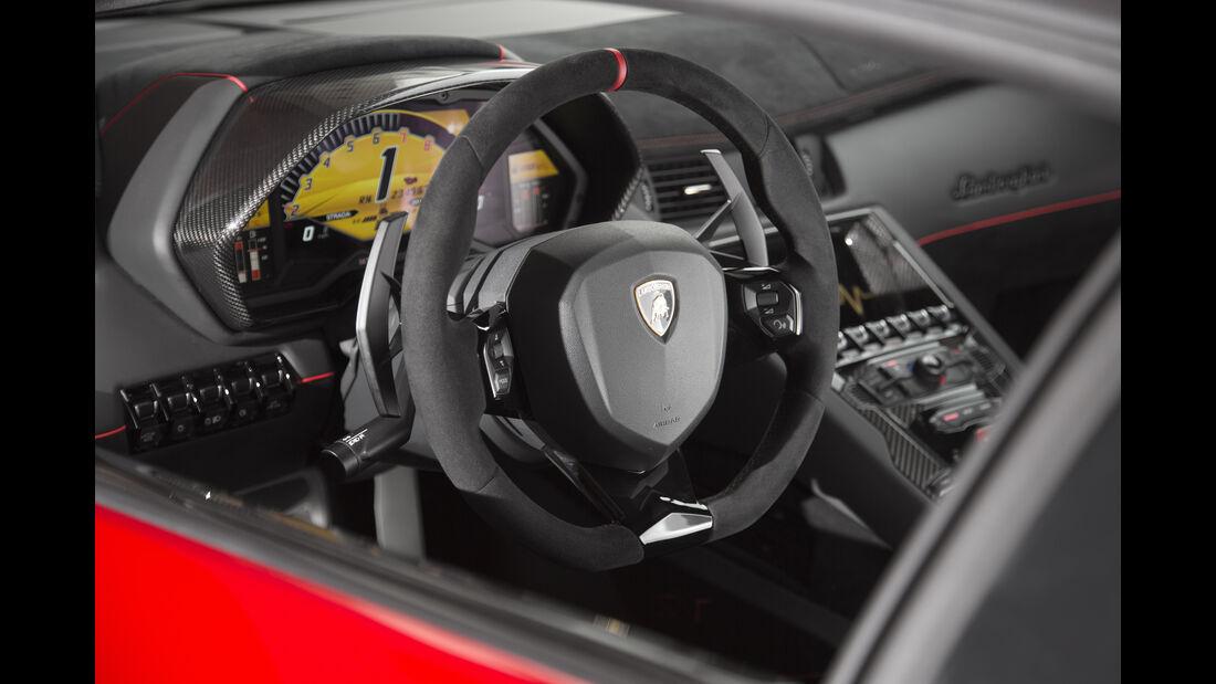 Lamborghini Aventador SV 2015, Cockpit