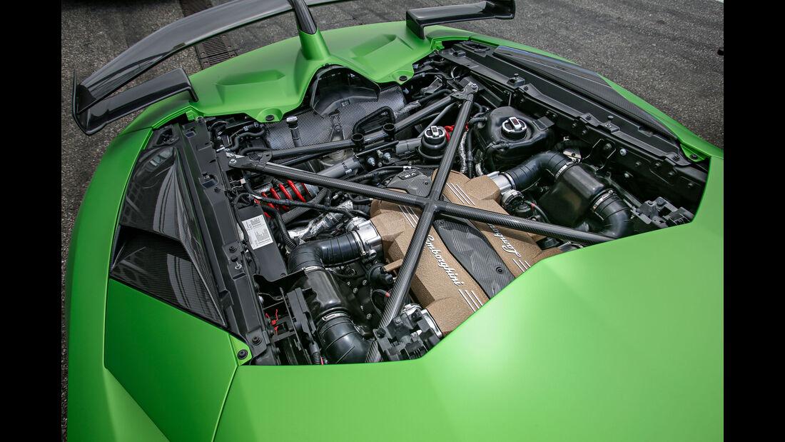 Lamborghini Aventador SVJ, Motor