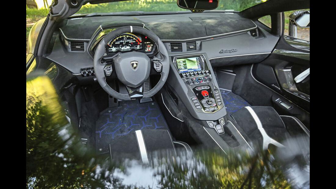 Lamborghini Aventador SVJ Roadster, Interieur