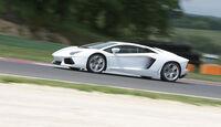 Lamborghini Aventador, Seitenansicht, Teststrecke