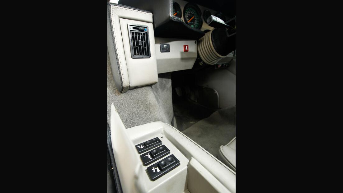 Lamborghini Countach Anniversario, Mittelkonsole, Detail