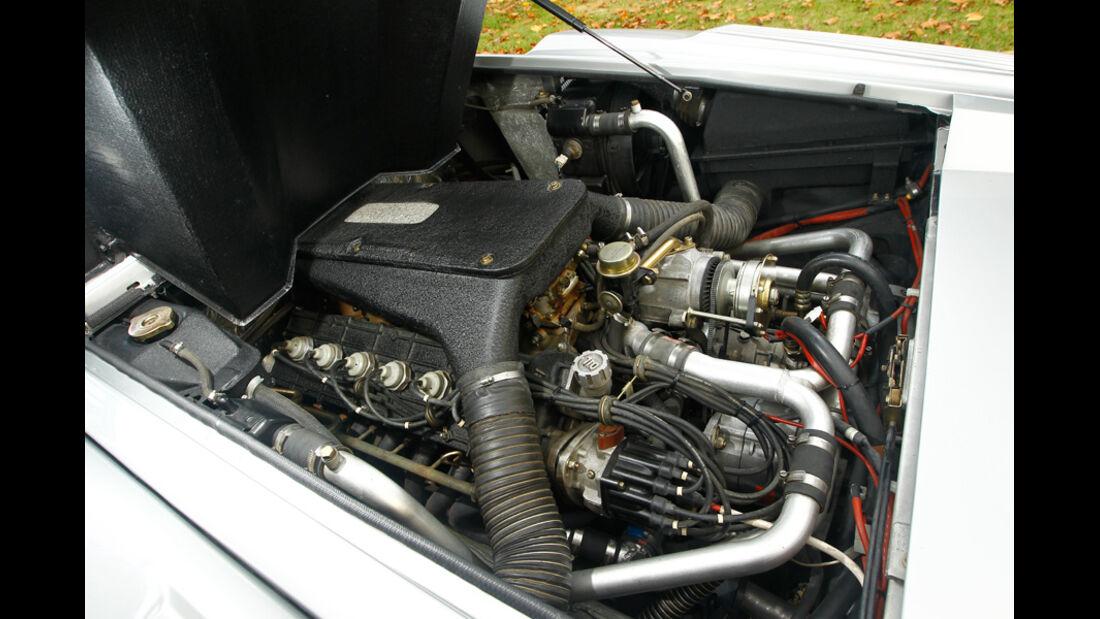 Lamborghini Countach Anniversario, Motor, Motorraum