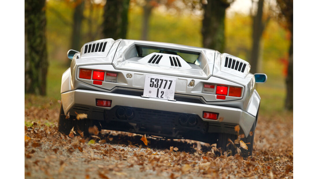 Lamborghini Countach Anniversario, Rückansicht, Rückleuchte, Park, Bremslicht