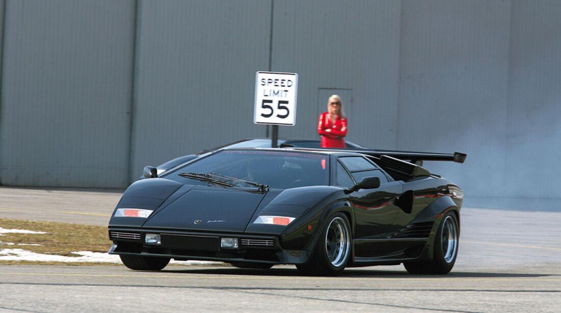 Lamborghini Countach Turbo S - Frontansicht in Fahrt
