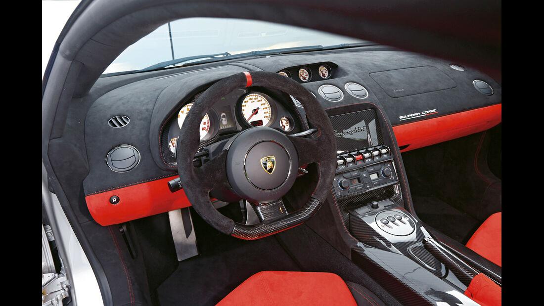 Lamborghini Gallardo LP 570-4 Squadra Corse, Cockpit