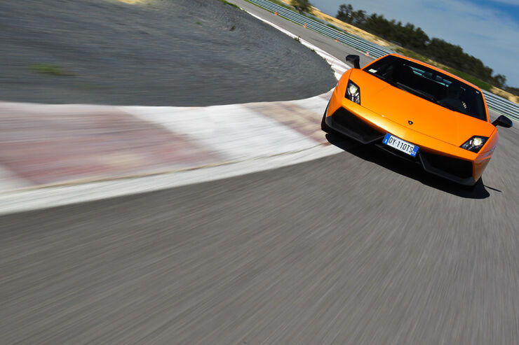 Lamborghini Gallardo LP 570-4 Superleggera - Fahrtaufnahme Frontansicht