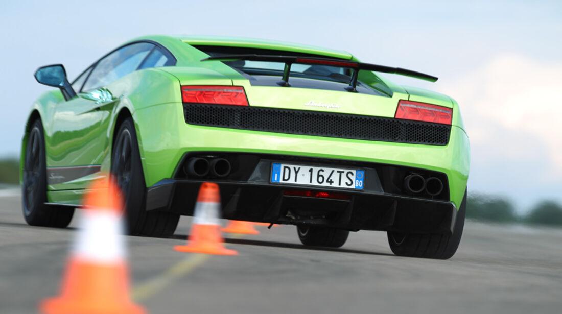 Lamborghini Gallardo LP 570-4 Superleggera, Rückansicht, Slalom