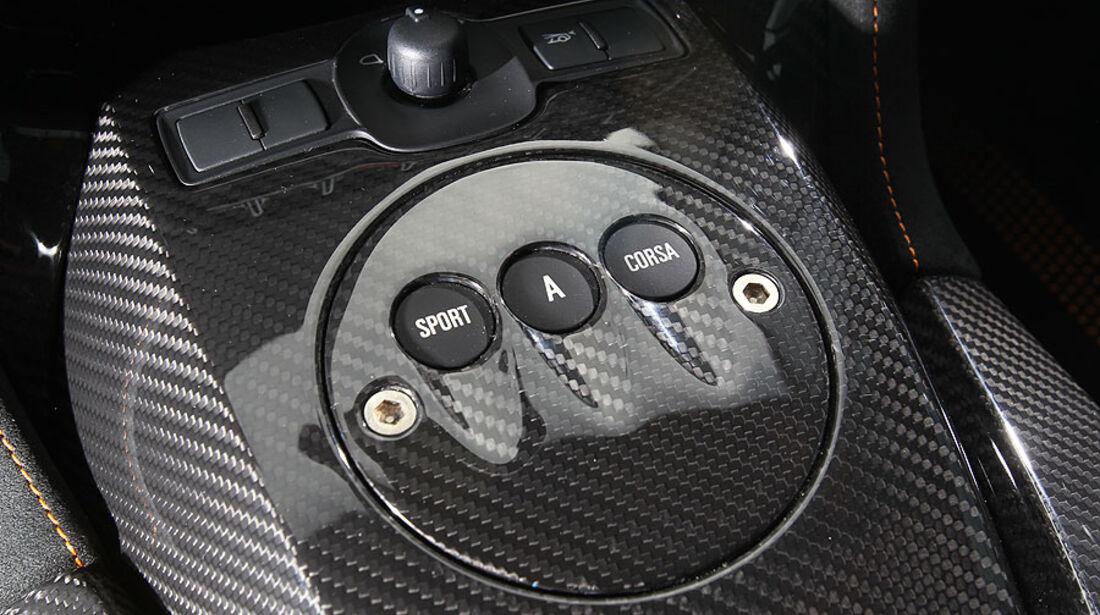 Lamborghini Gallardo LP 570-4 Superleggera - Schalter und Knöpfe auf der Mittelkonsole