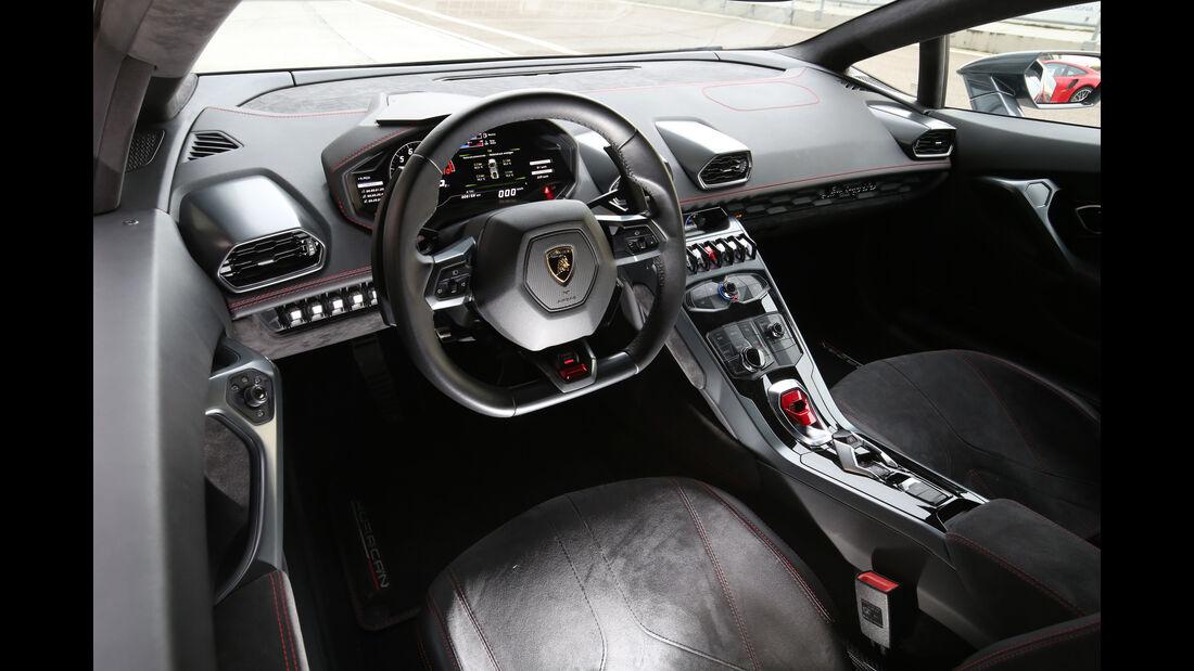 Lamborghini Huracán LP 610-4, Cockpit