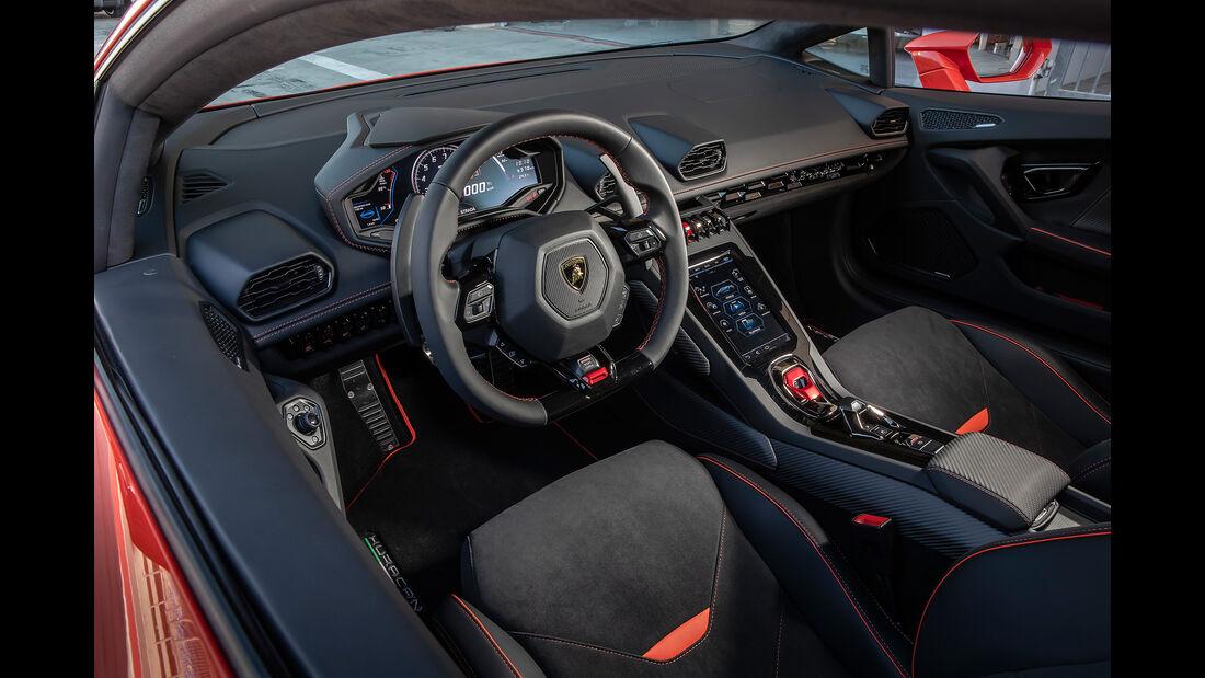 Lamborghini Huracan Evo, Innenraum, Cockpit