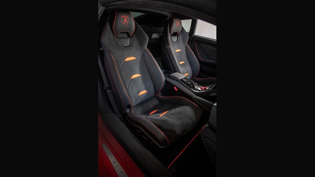 Lamborghini Huracan Evo, Sitze