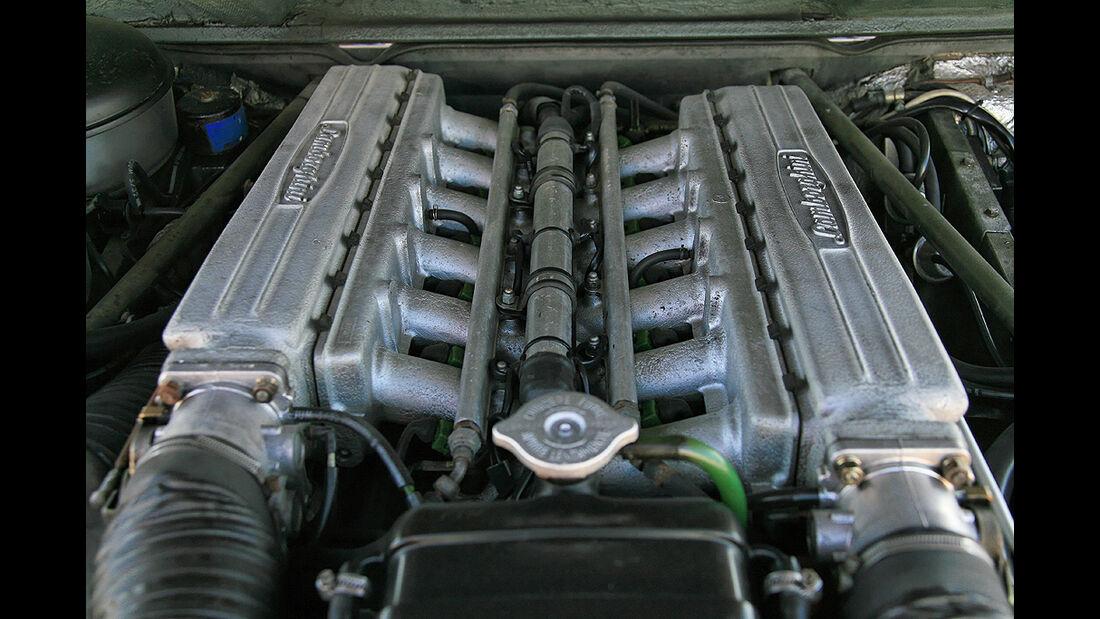 Lamborghini LM 002 Motor