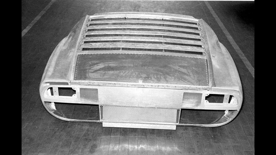 Lamborghini Miura - 50 Jahre - Alukarosserie