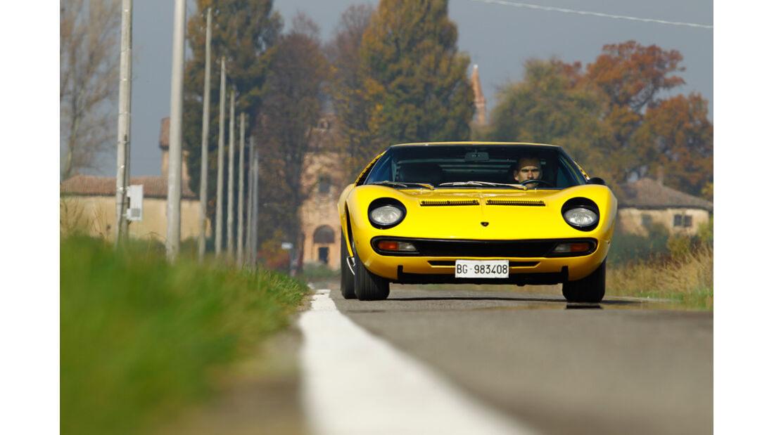 Lamborghini Miurca SV, Frontansicht, Überlandfahrt