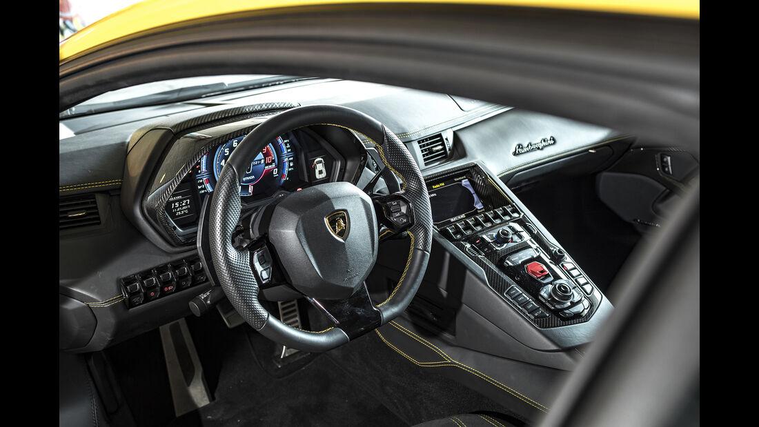 Lamborgini Aventador S, Interieur