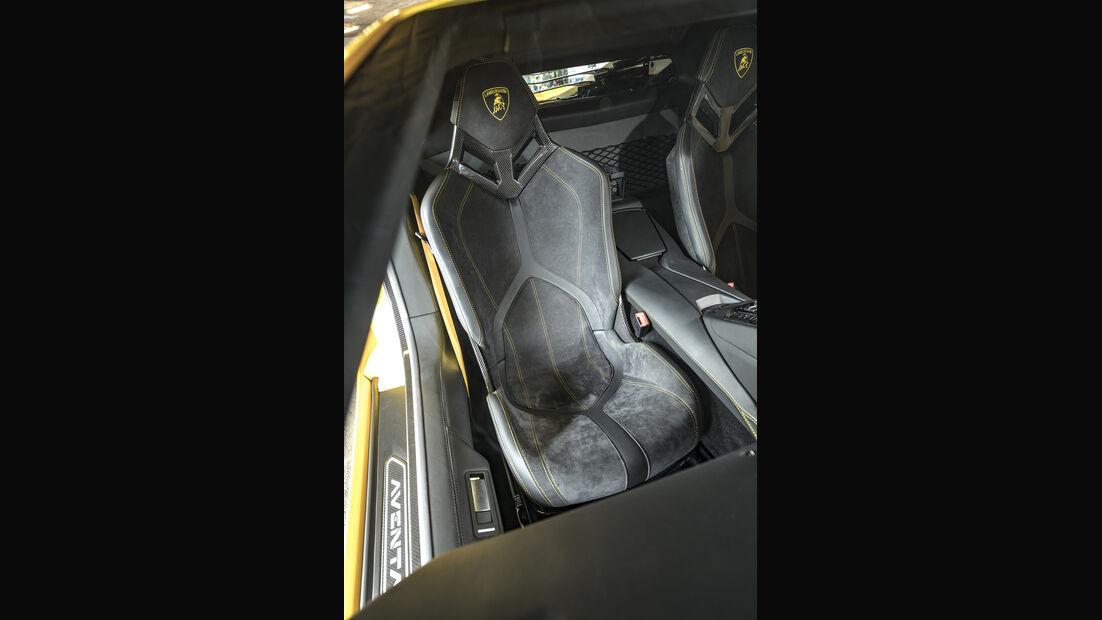 Lamborgini Aventador S, Sitz