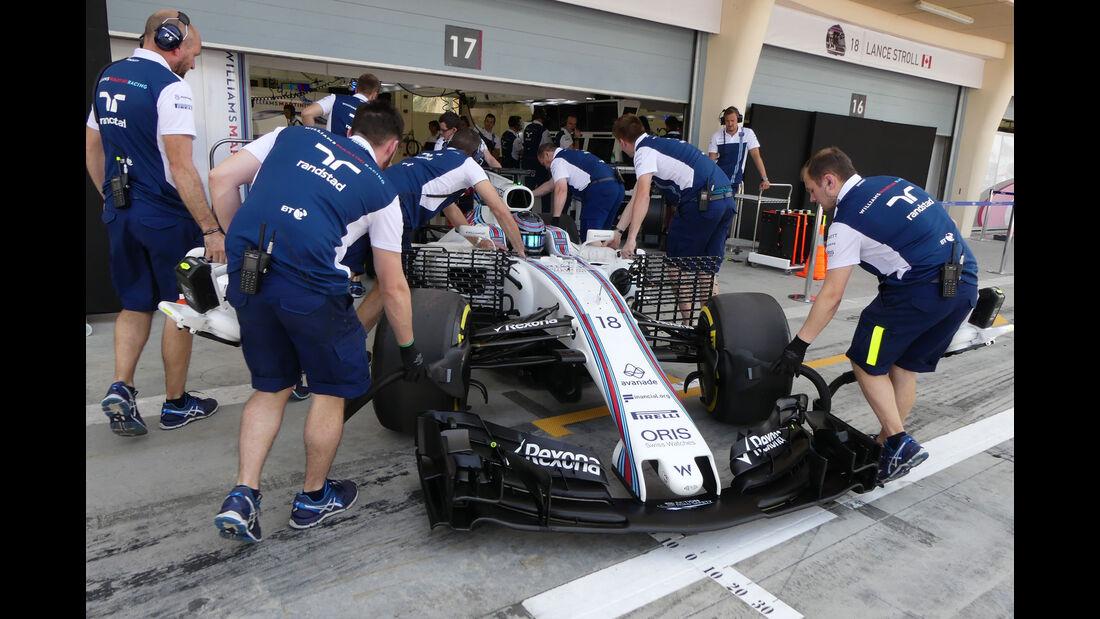 Lance Stroll - Williams - Formel 1 - Testfahrten - Bahrain International Circuit - Dienstag - 18.4.2017