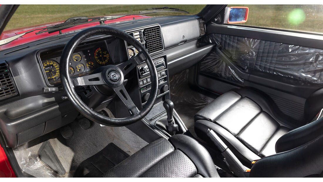 Lancia Delta HF Integrale 16V (1990)