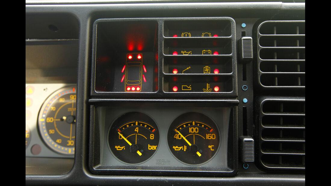 Lancia Delta HF Integrale, Anzeige