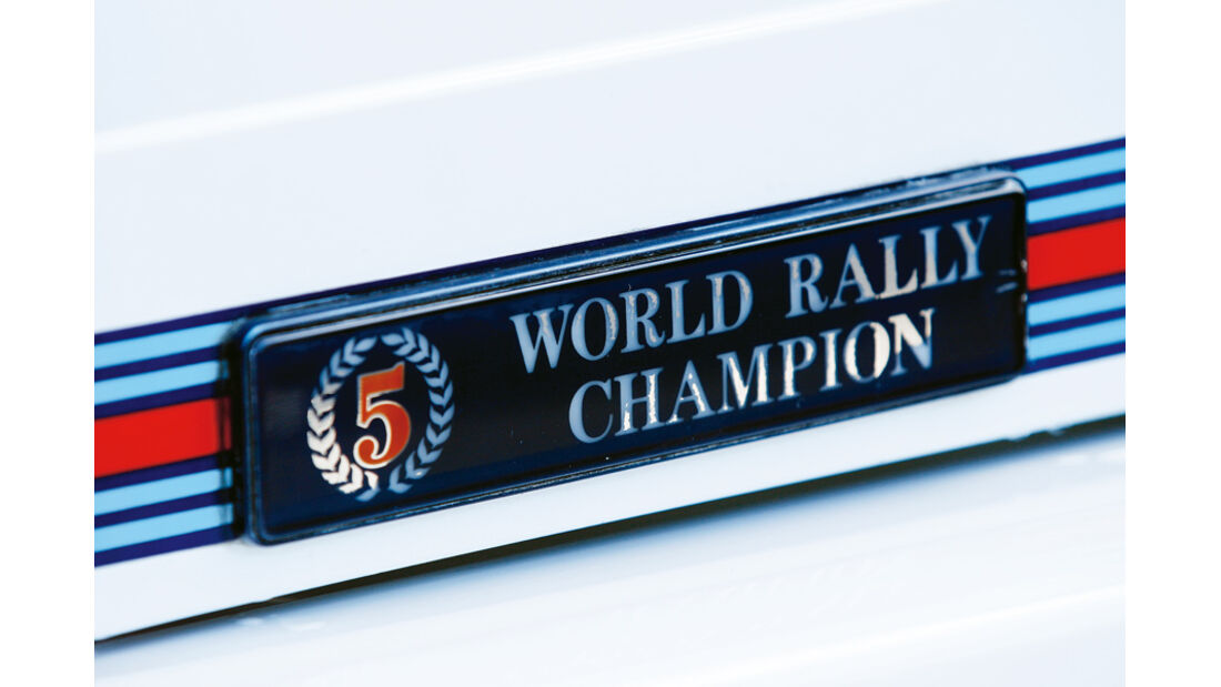 Lancia Delta HF integrale, Schild, Emblem