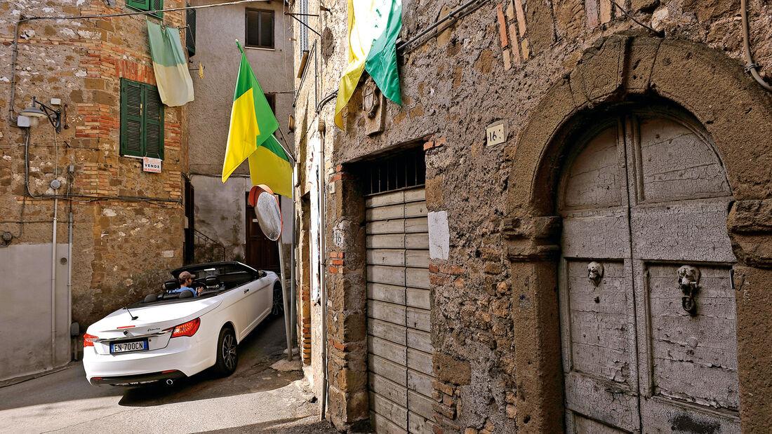 Lancia Flavia, Gasse