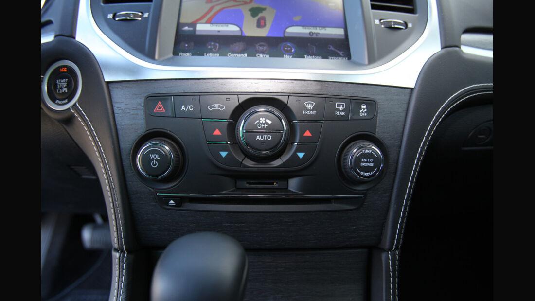 Lancia Thema 3.0 V6 Multijet Platinum, Mittelkonsole