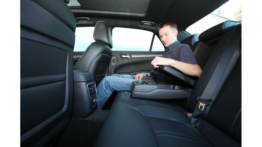 Lancia Thema 3.0 V6 Multijet Platinum, Rücksitz
