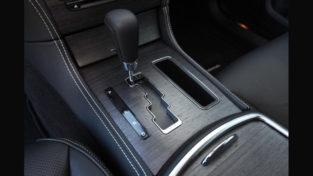 Lancia Thema 3.0 V6 Multijet Platinum, Schalthebel, Schaltknauf