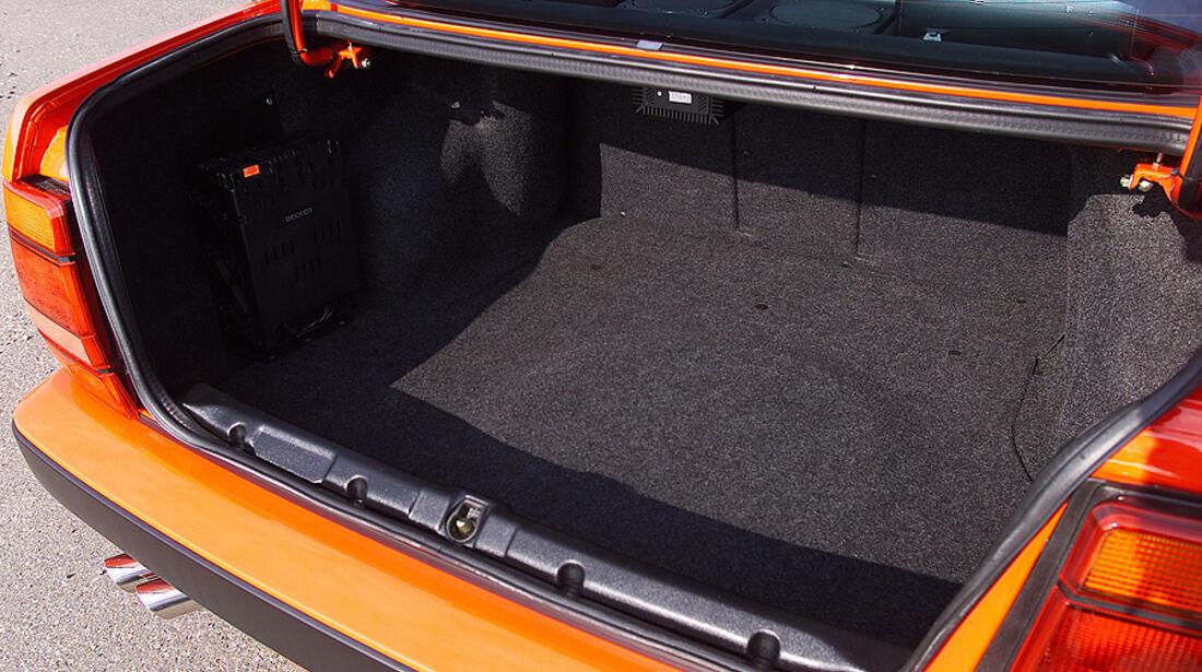 Lancia Thema 8.32 Kofferraum