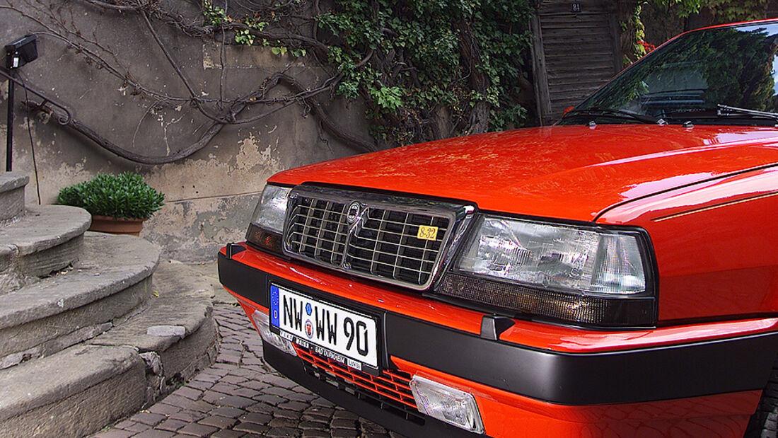 Lancia Thema 8.32 Schrägansicht Front
