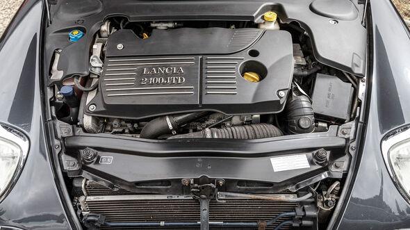 Lancia-Thesis-Motor