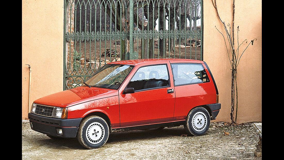 Lancia Y10 Turbo, Seitenansicht